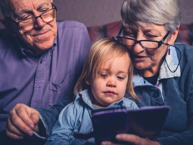 Avós: O apoio fundamental aos pais dos dias de hoje