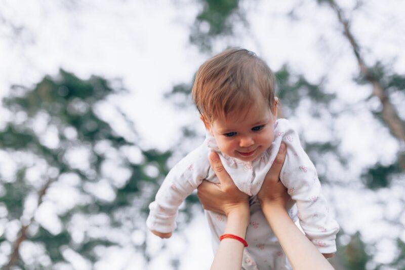 Ponha o seu bebé a mexer: Como estimular movimentos?