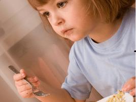 A Falar Esclarecemos (#1): O que fazer quando o meu filho se recusa a comer?