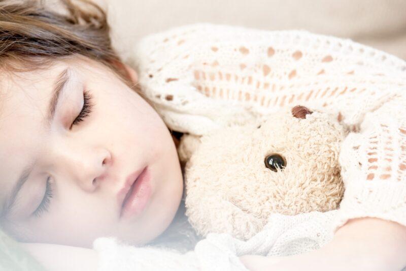 10 dicas para melhorar o sono das crianças (e dos pais!)